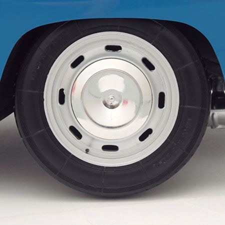 ACCURATE REPRODUCTION OF THE WHEELS, RIMS AND TYRES